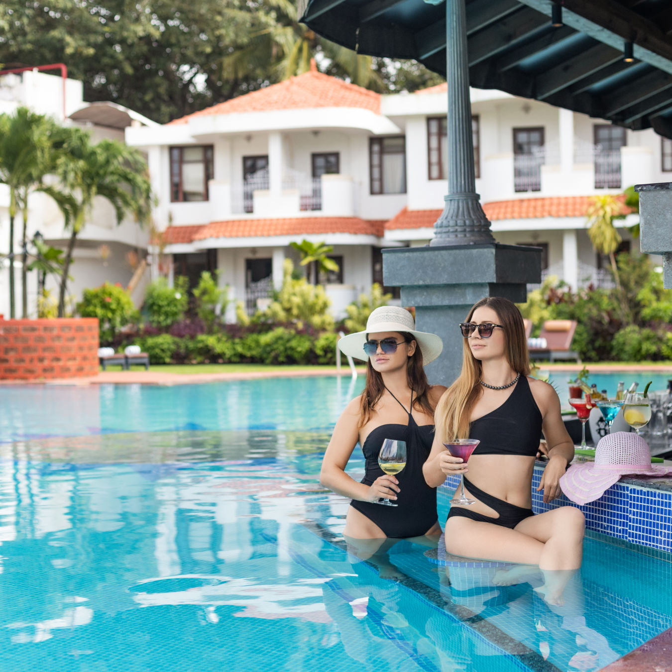 Heritage Village Resort and Spa Goa, Pool Sunken Bar 16