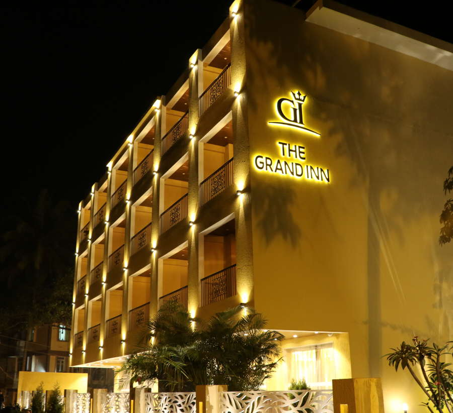 alt-text Facade, Amara Vacanza Grand Inn, Resort near Calangute Beach, Goa beach resort