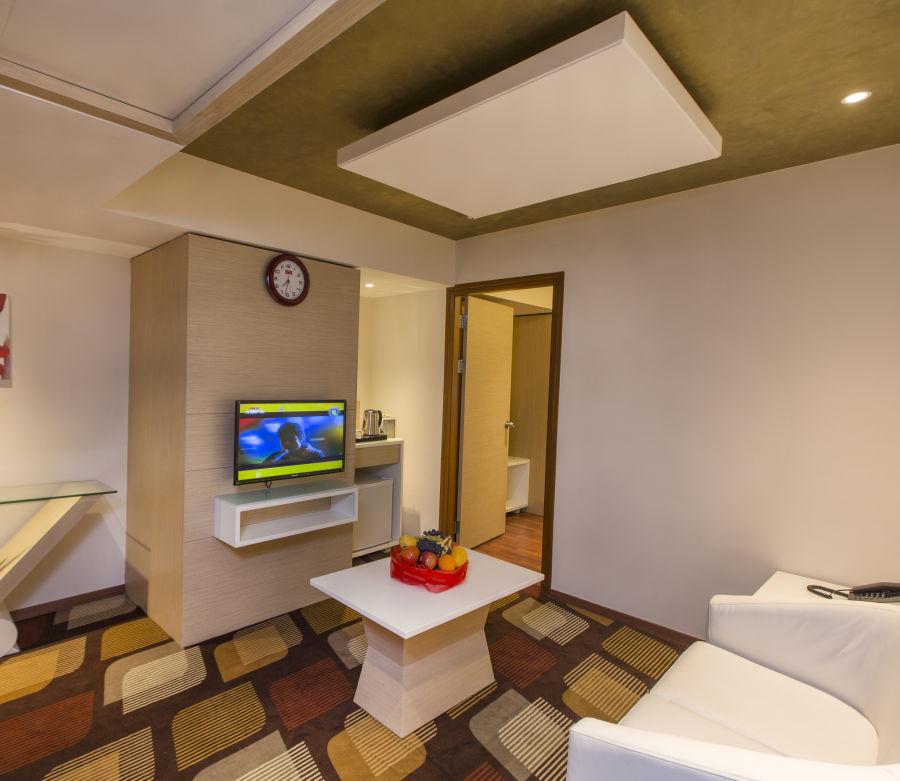 alt-text Hotel Pai Viceroy, Tirupati Tirupati Hotel Pai Viceroy Tirupathi Suite Living Room 2