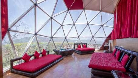 31 - Premium Glass Cottage