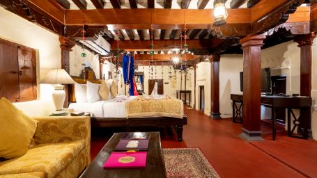 Spacious suites in Pune, Hotel rooms in Pune, Fort Jadhavgadh, Pune