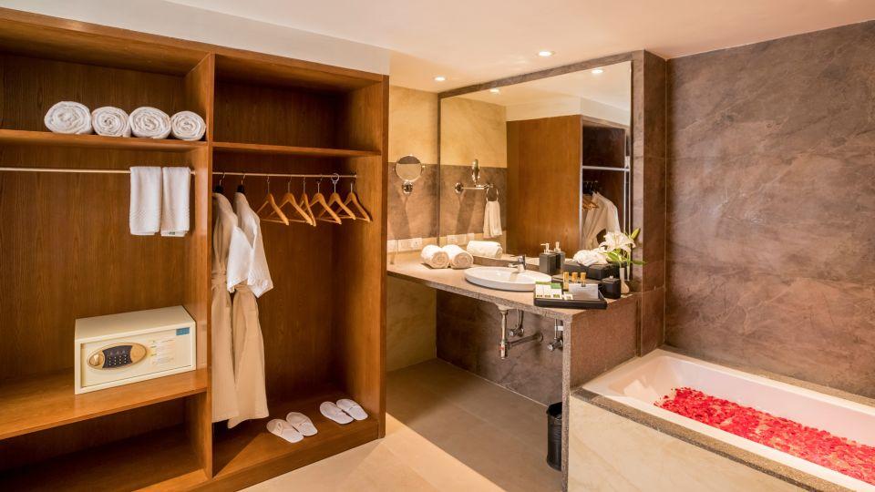 Executive Premium Washroom