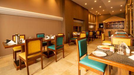 Best resorts in goa, Resort in Calangute, North Goa, suites in Goa, Calangute Beach, hotel rooms in North GoaNautilus restaurant