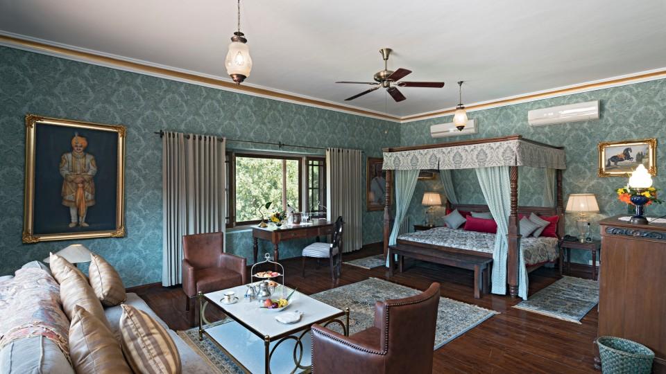Classic Suites 13