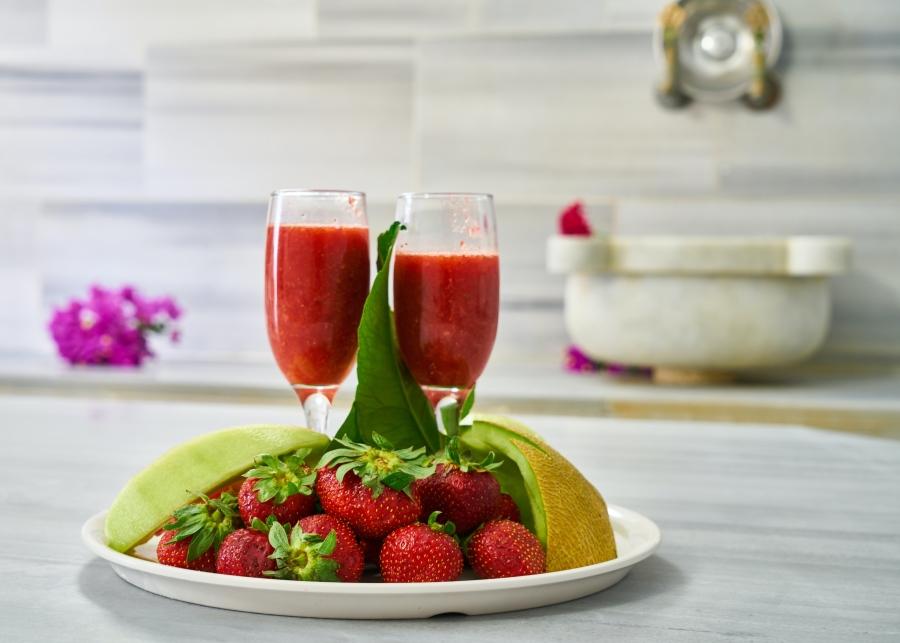 alt-text Niraamaya Fruit Platter