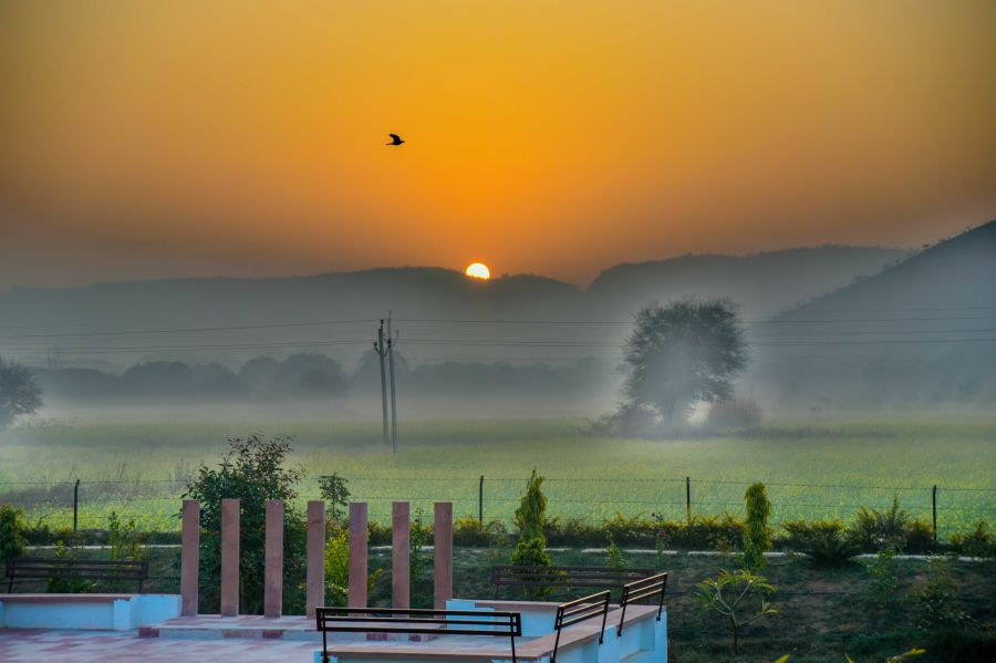 alt-text Sunset view from Clarks Resort Abhyaran
