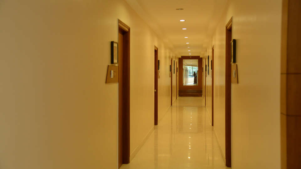 Hotel Pai Vista, KR Road, Bangalore Bangalore Pai Vista KR Road Luxury Hotel Bangalore corridor