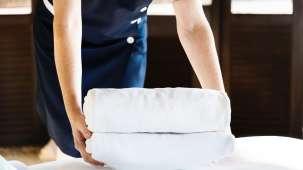 adult-bath-towels-bed-1437861