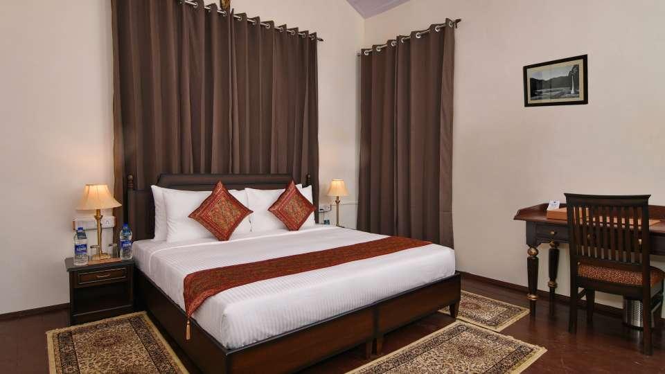 Classic Room, Brijvilla, Dalhousie, Room in Dalhousie 2