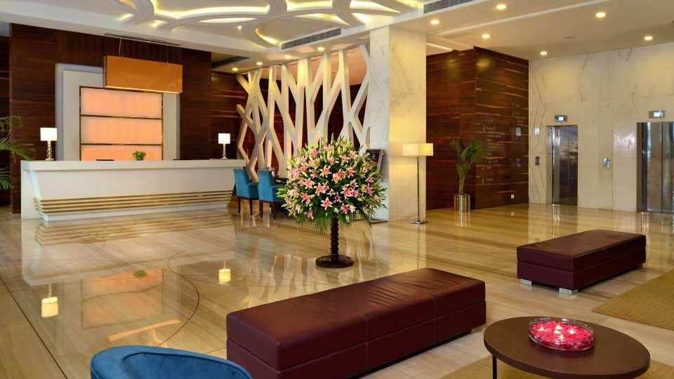 Lobby, Golden Tulip, hotel in Lucknow