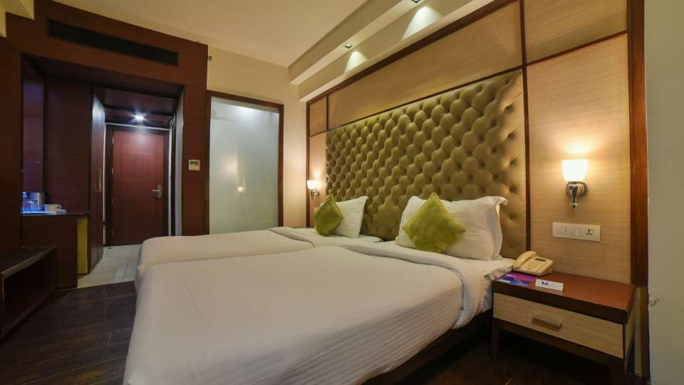 Rooms near Chattarpur Metro Station, Nehru Place Rooms, Hotel Mint Oodles