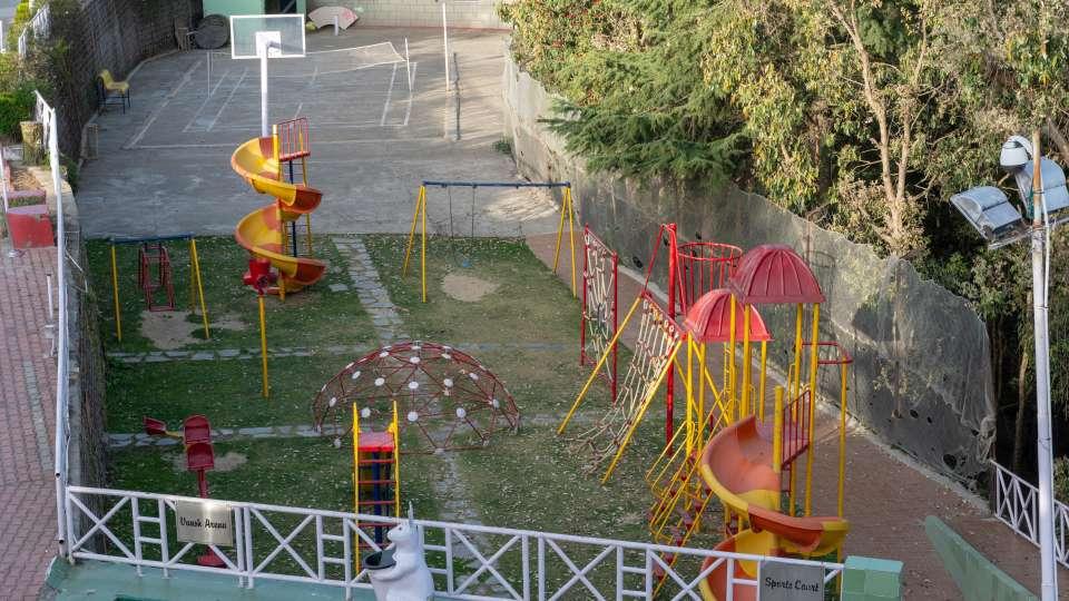 52 - Kids playground