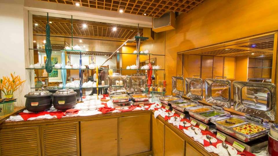 Flavors Restaurant  Cafe5, The Ambassador hotel Mumbai, Restaurant near Marine drive 511