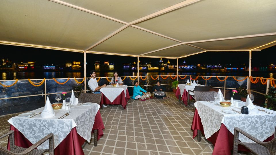 32. Boat Dining 2