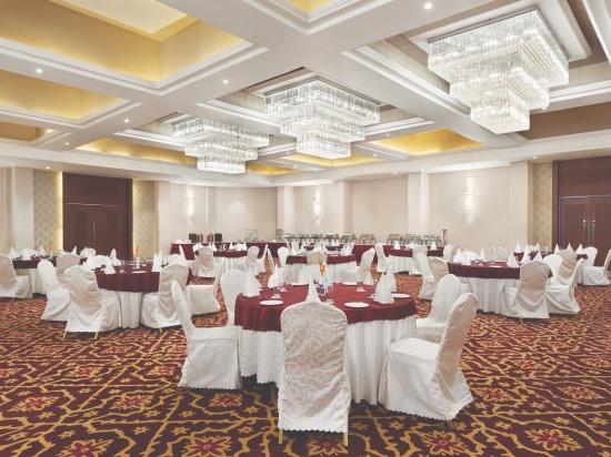 Darbar hall at Ramada Resort Kumbhalgarh 1