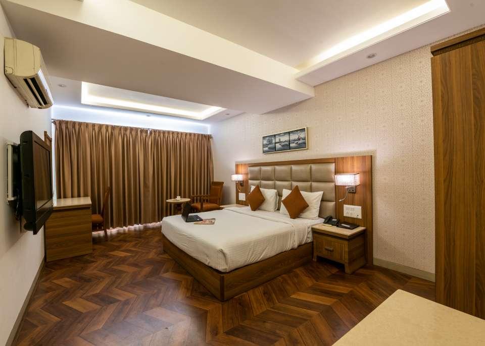 Ren Hotel Jan 19-76