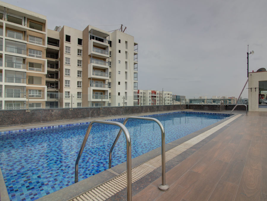 alt-text business hotel in Bangalore Pool