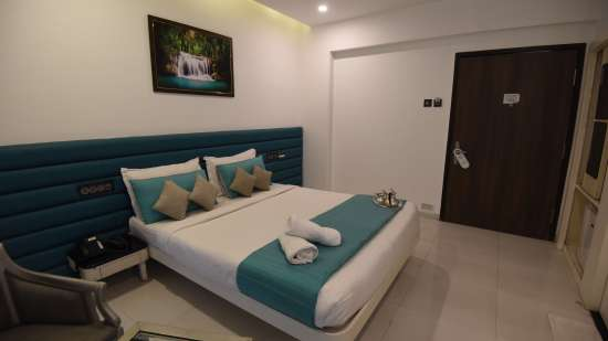 Deluxe Room at VITS Sharanam Hotel Best Hotels in Thane near Eastern Express Highway 1
