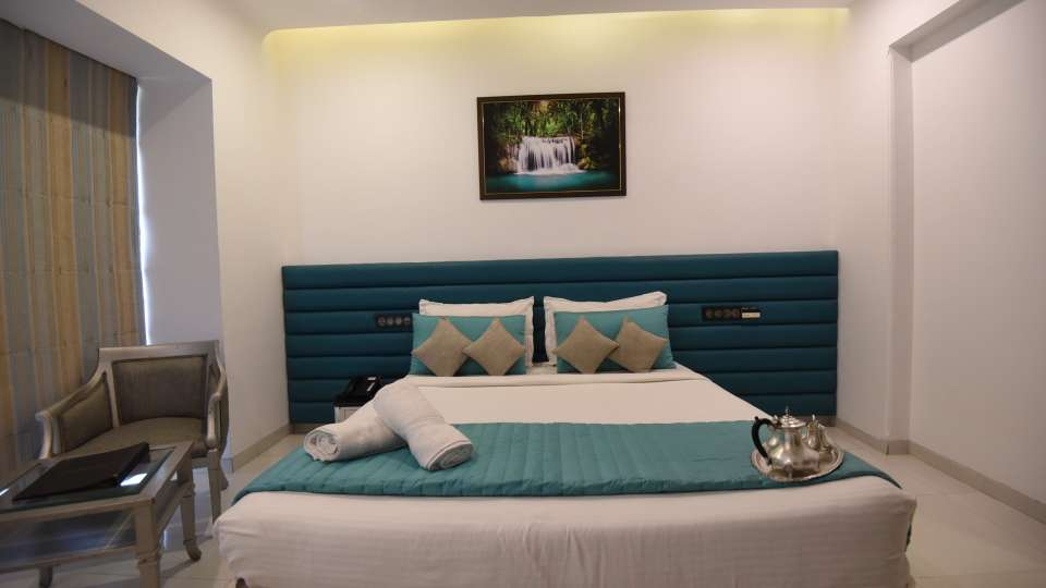 Deluxe Room at VITS Sharanam Hotel Best Hotels in Thane near Eastern Express Highway 6