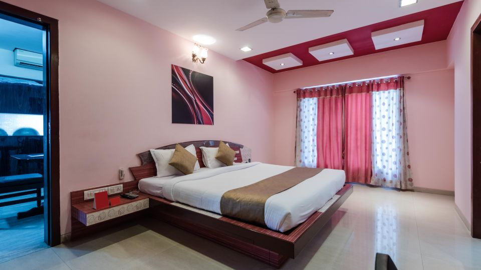 Apartments in Andheri East Dragonfly Hotel, Hotels in Andheri