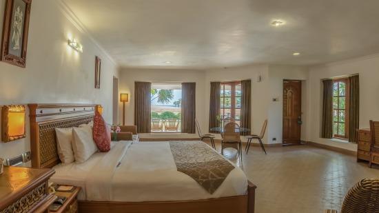 Sea View Cottage Chariot Beach Resort Mahabalipuram 2
