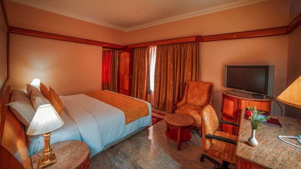 Raj Park Hotel - Chennai Chennai Superior Room Raj Park Hotel Alwarpet Chennai 3