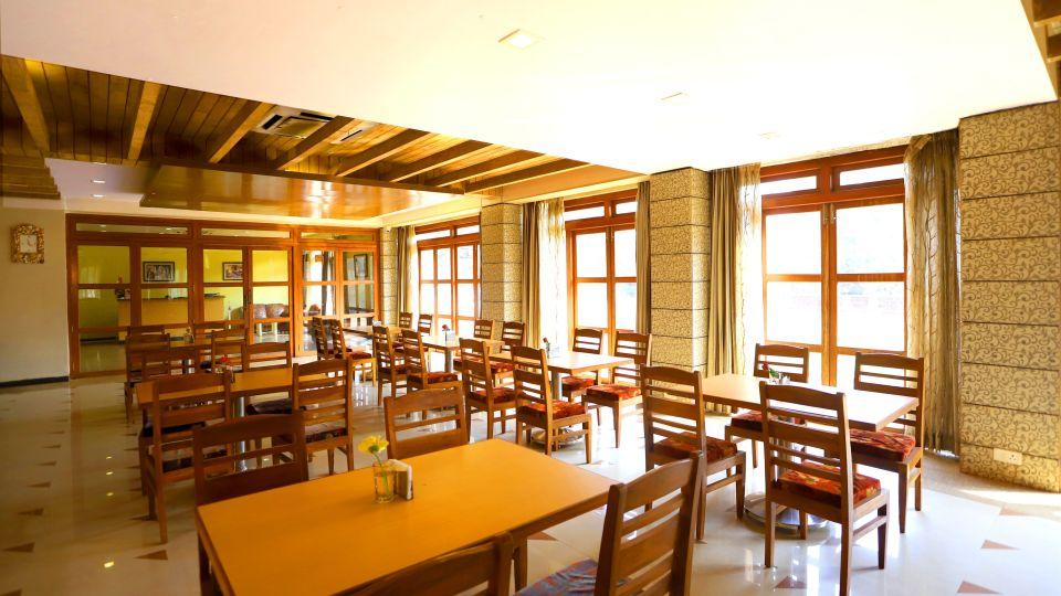 Kohinoor Resort Dapoli, restaurant