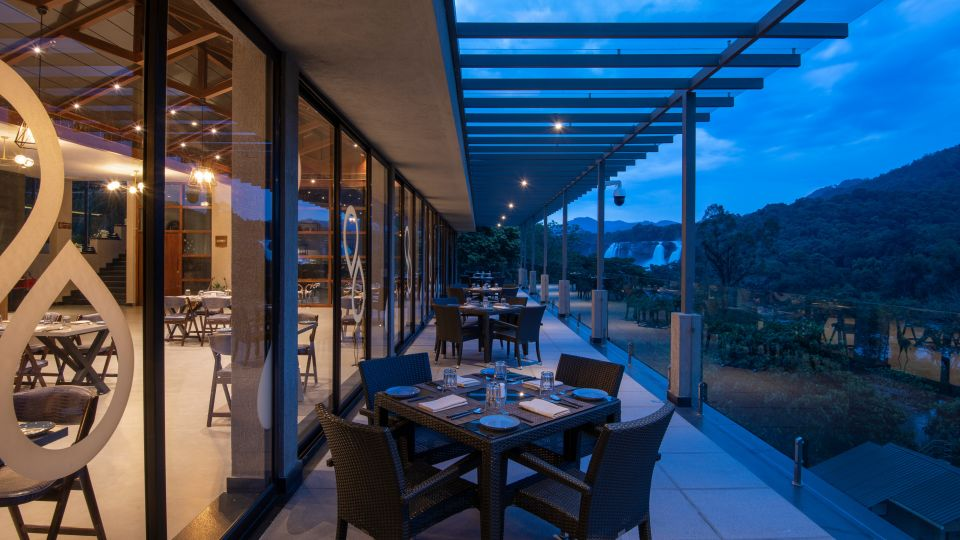 Al Fresco Dining Area - Restaurant 2