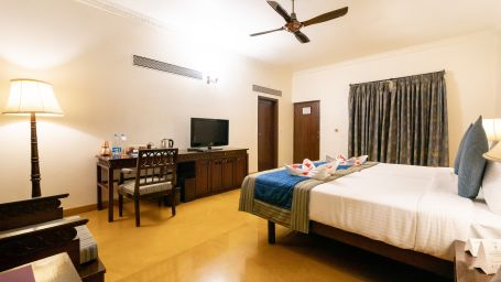 Rooms in Pune, Hotel Rooms in Pune, Fort Jadhavgadh, Pune