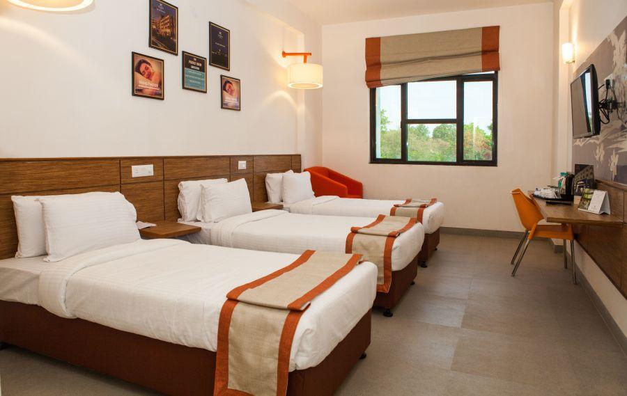 alt-text Max Club Room Hotel Polo Max Jabalpur