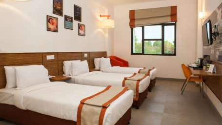 Max Club Room Hotel Polo Max Allahabad