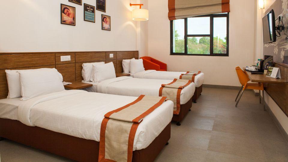 Max Club Room Hotel Polo Max Jabalpur