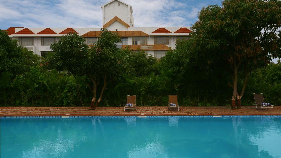 Swimming Pool at our hotel in Sasan Gir, Sarovar Portico, Sasan Gir