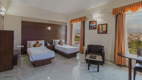 Premier Room with twin bed 2