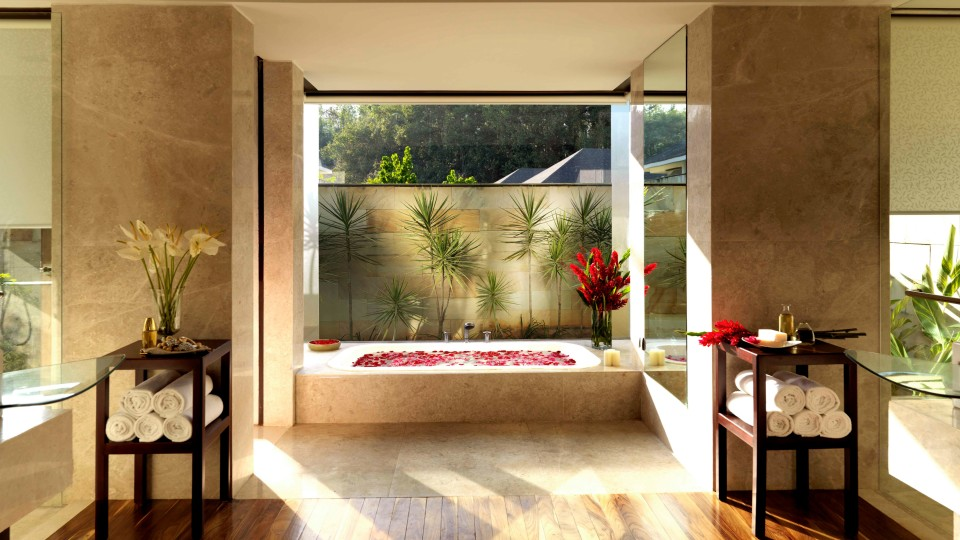 Estate Villa Washroom, The Serai Chikmagalur, Stay in Chikmagalur, Luxury Resorts in Chikmagalur 11