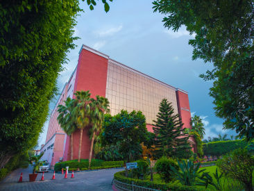 Facade, The Piccadily Lucknow, Business Hotel in Lucknow 2