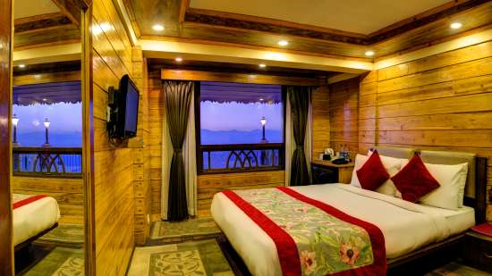deluxe Summit Grace Hotel and Spa, Darjeeling