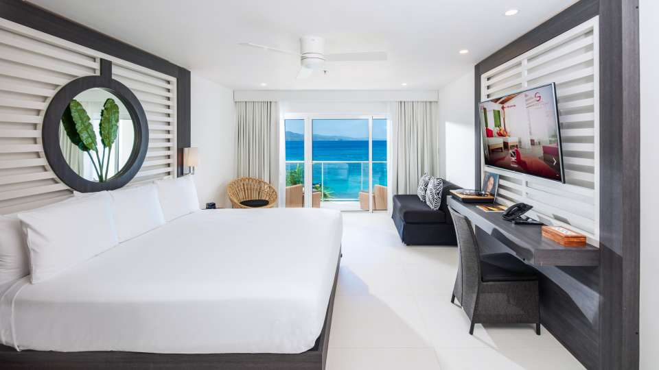 Ocean View Junior Suite King, S Hotel Jamaica, Accommodation in Montego Bay 3
