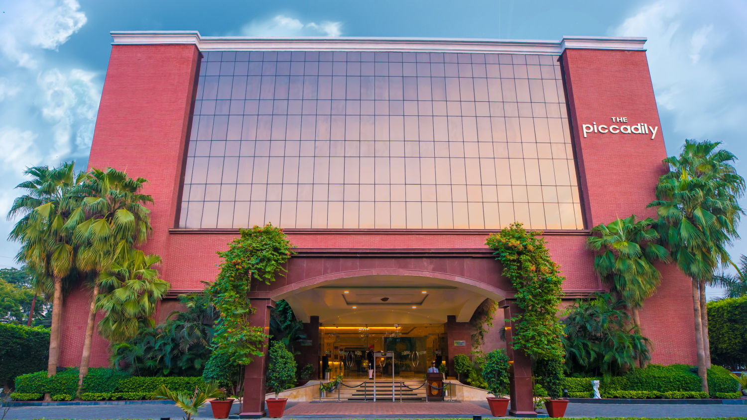 Facade, The Piccadily Lucknow, Business Hotel in Lucknow 4