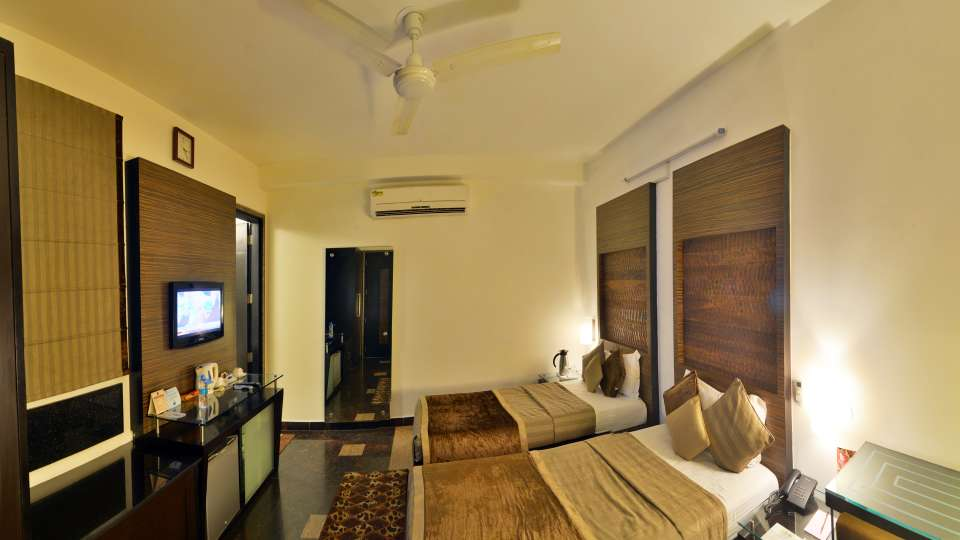 Hotel Shreyans Inn, Safdarjung Enclave, New Delhi Delhi Shreyans Inn New Delhi Safdarjung Enclave Deluxe Rooms