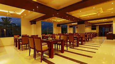 Restaurant at Gokulam Park Munnar, restaurant in munnar 1