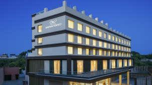Facade of Nataraj Sarovar Portico Hotel - Best Business Hotels in Jhansi