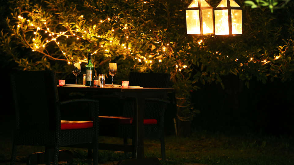 Dining Area at Larisa Mountain Resort in Manali - Best Resorts in Manali
