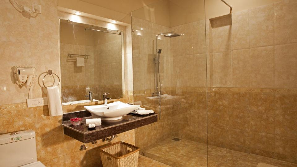 Family Cottage Bathroom