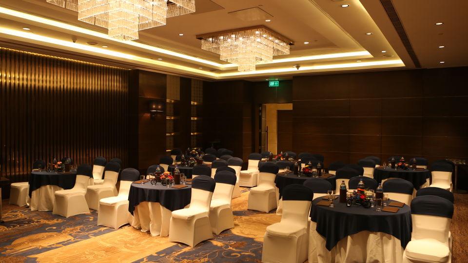 Meeting Hall 2 corner front - Final