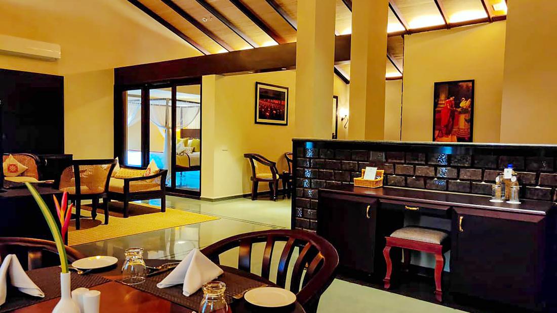 Presidential Suite - 1st Floor Living Room 1