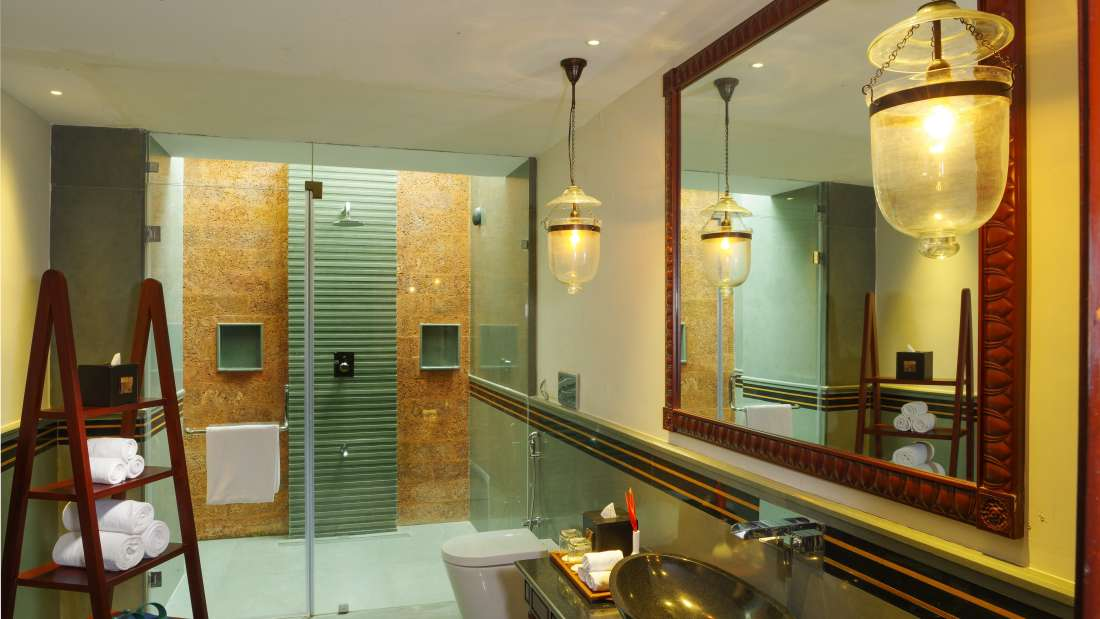 Luxury Private Pool Villa Bathroom Niraamaya Retreats Kumarakom