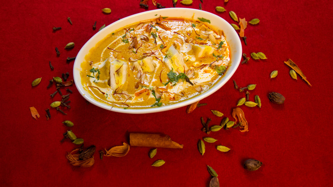 Lucknow cuisine, The Piccadily, dining in Lucknow 18