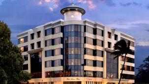 Facade,Hotel Marine Plaza Mumbai 15