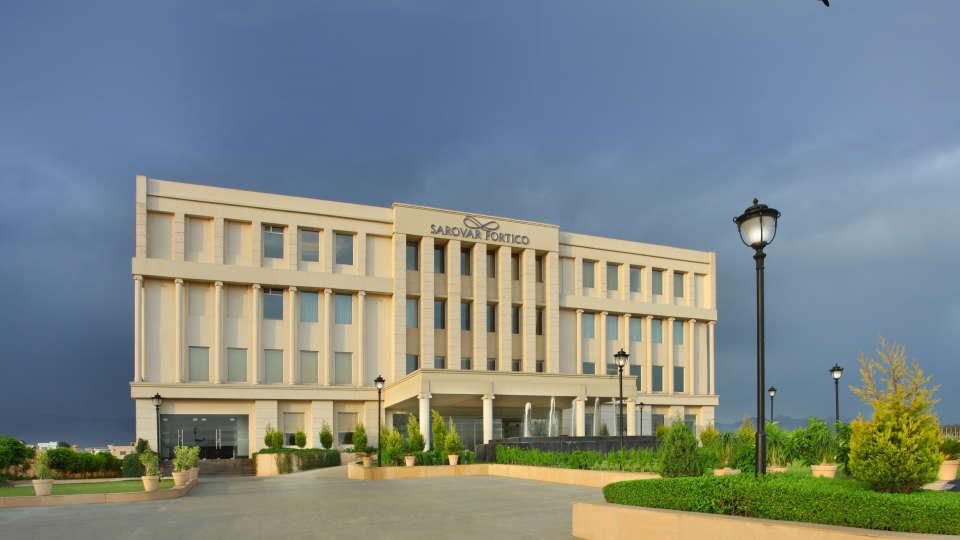 Facade at Hotel Seyfert Sarovar Portico Dehradun 3